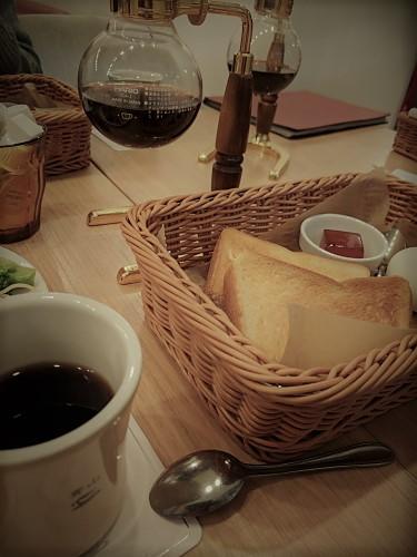 青山さんで朝食!